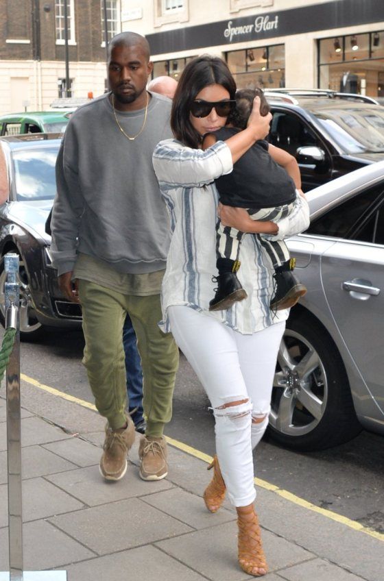 KIM KARDASHIAN AND KANYE WEST SEEN ARRIVING AT THEIR HOTEL IN LONDON